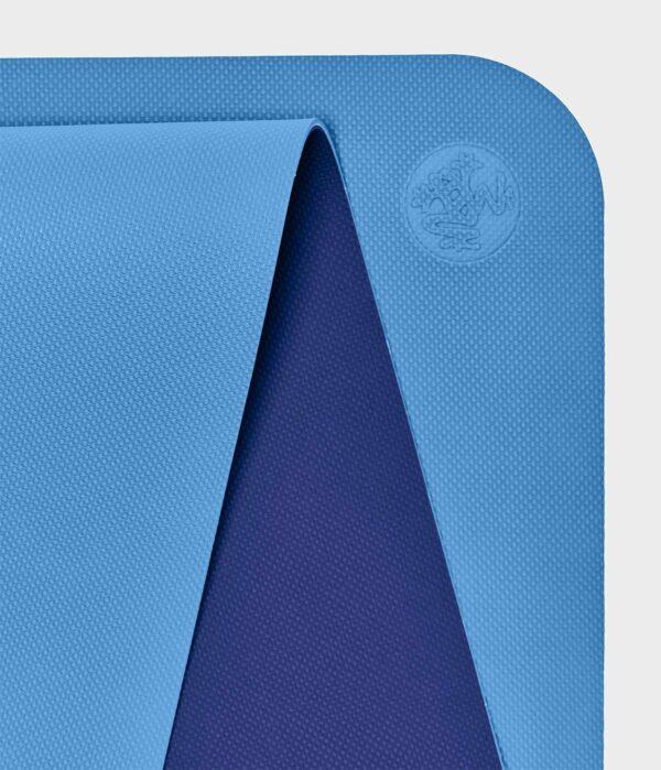 Manduka Begin Yoga Mat Light Blue
